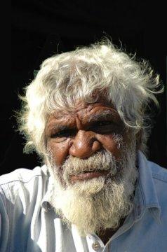 오스트레일리아 원주민. 아마존에 사는 아메리카 원주민들이 뜻밖에도 오스트랄라시아의 토착민들과 유전적으로 가깝다고 한다. Credit: ⓒ francosperoni / Fotolia